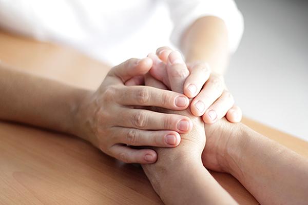 Atención a las personas con cáncer y a sus familias