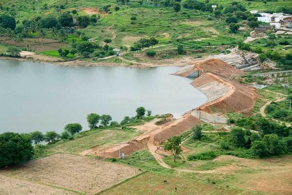 Construcción de un embalse en Andhra Pradesh